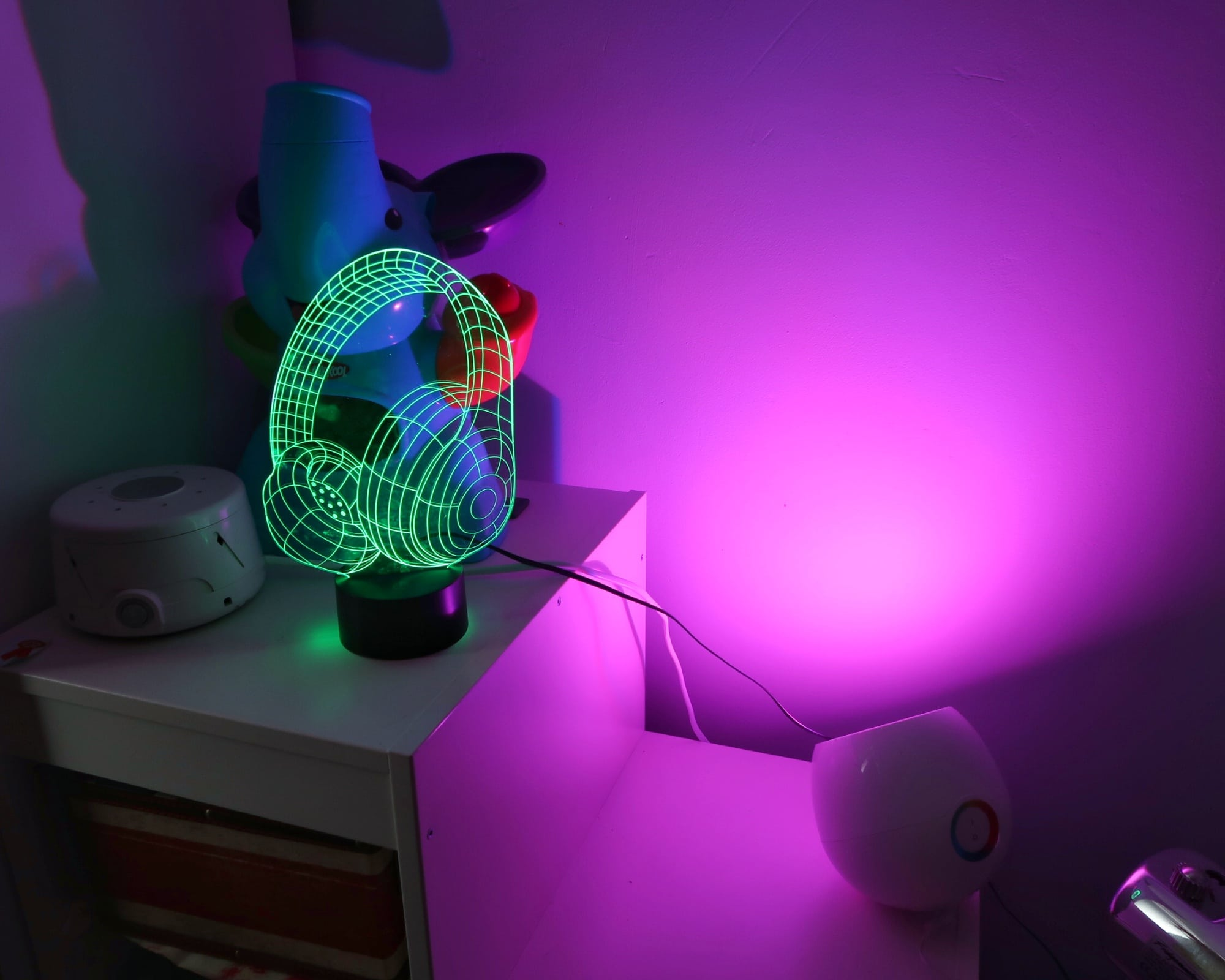 Autism friendly bedroom - Philips Mood changing light