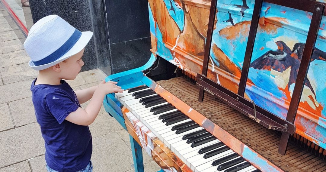The things they love and the things we do - Biggest plays on a street piano
