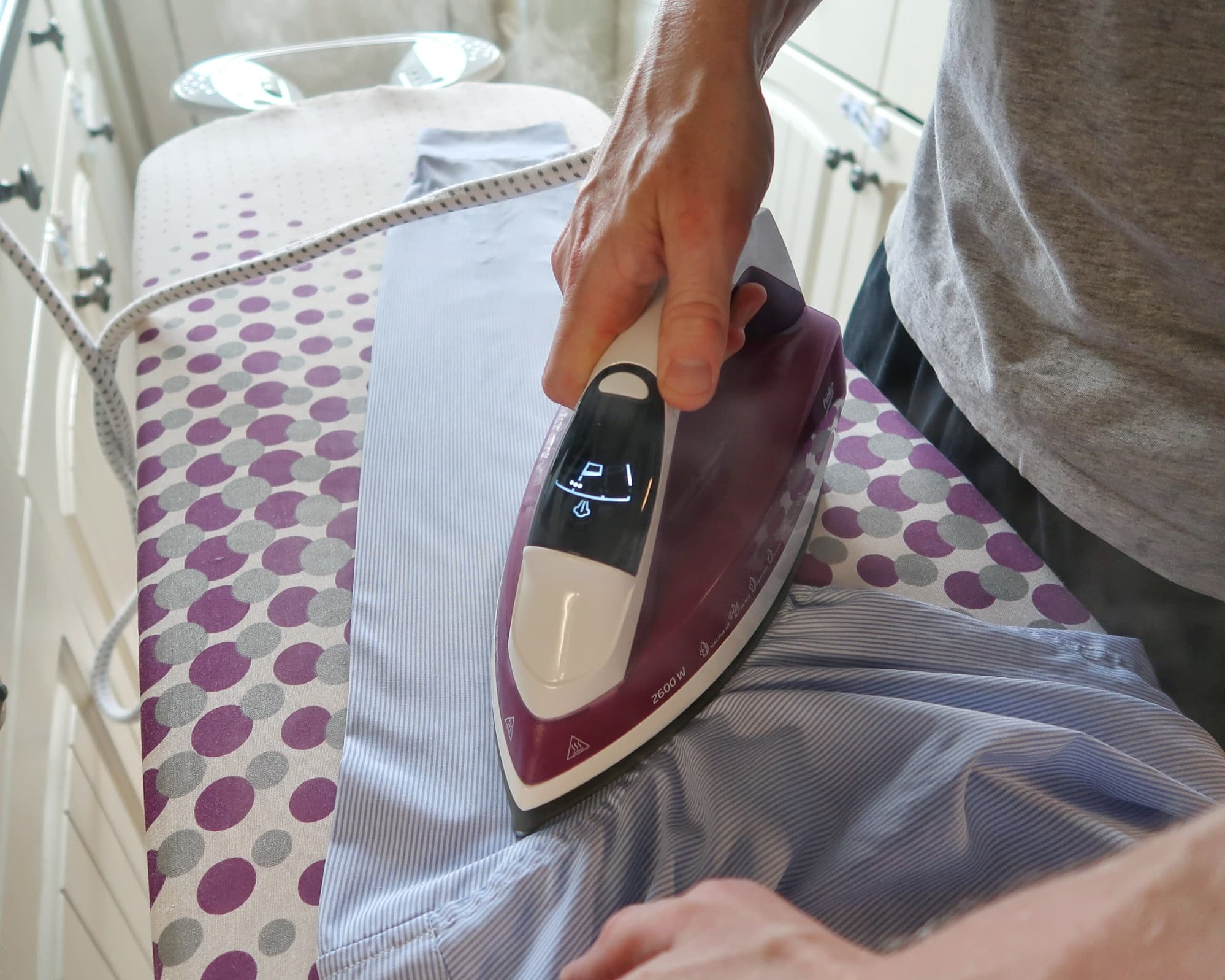 Beko steam iron in action