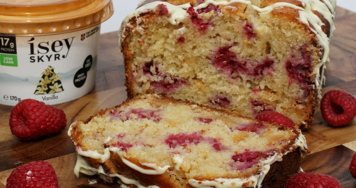 Luxurious Raspberry and White Chocolate Skyr Cake