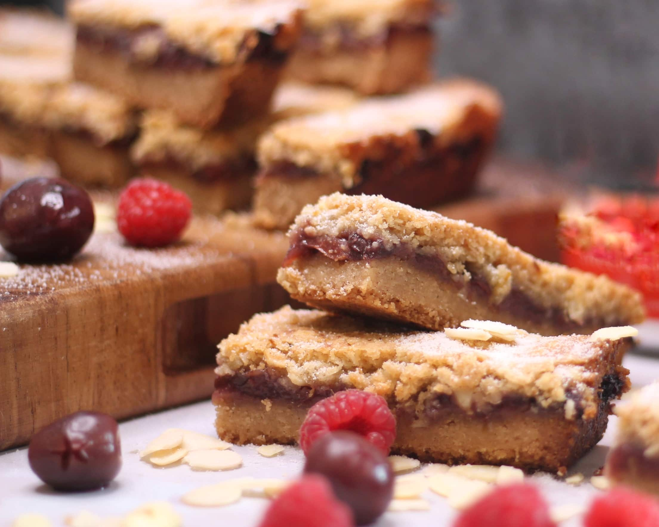 Streusel recipe - close up of streusel bars