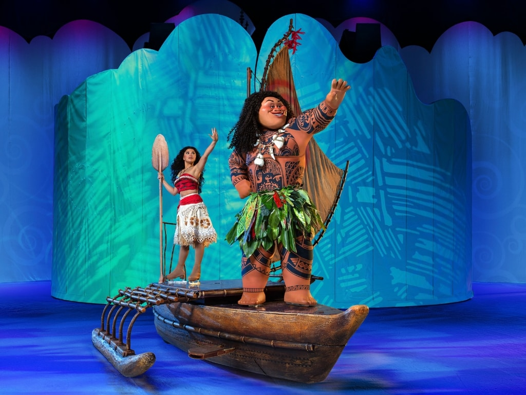 Moana and Maui in Disney On Ice Dream Big